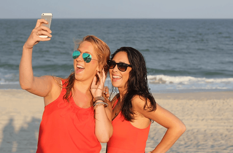 Come Convertire un Selfie in un Adesivo Animato per Instagram
